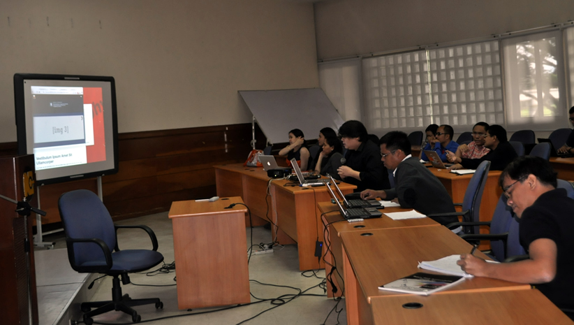 A member of DOST-ASTI team demonstrates sample web template.